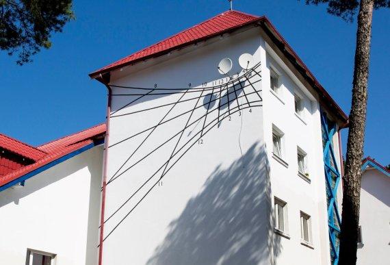 VDA Nidos meno kolonijos nuotr./Saulės laikrodis