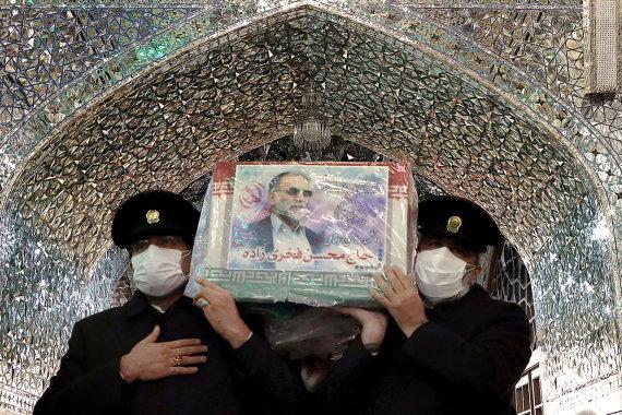 """""""Reuters""""/""""Scanpix"""" nuotr./Karstas su Mohseno Fakhrizadeh palaikais"""