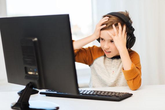 123RF.com nuotr./Vaikas prie kompiuterio