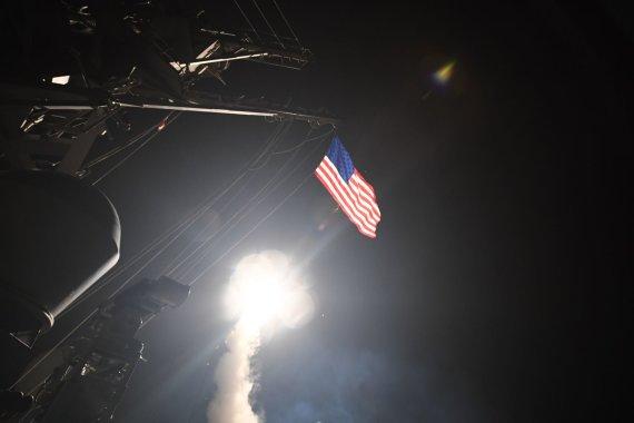 """AFP/""""Scanpix"""" nuotr./JAV smogė raketomis Sirijai"""