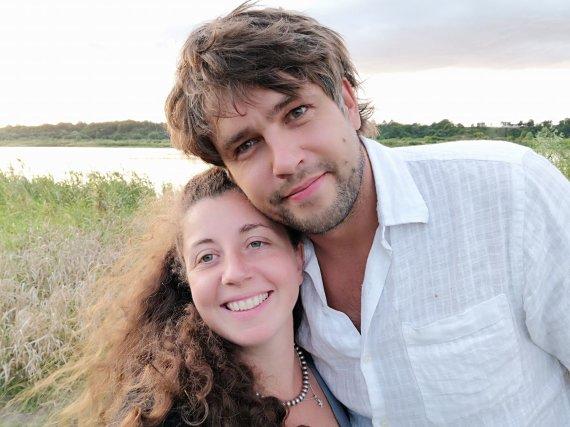 Asmeninio albumo nuotr./Andrius Pojavis su žmona Isabella