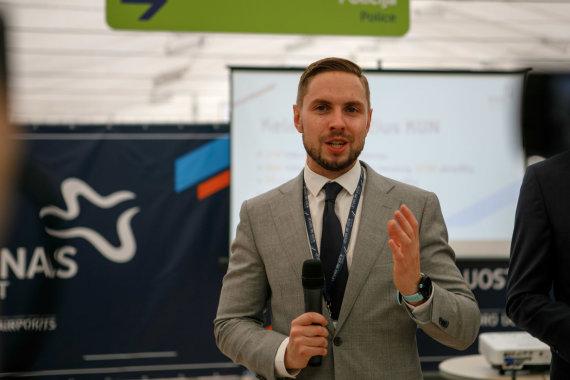 Eriko Ovčarenko / 15min nuotr./Lietuvos oro uostų vykdomasis direktorius Donatas Voveris