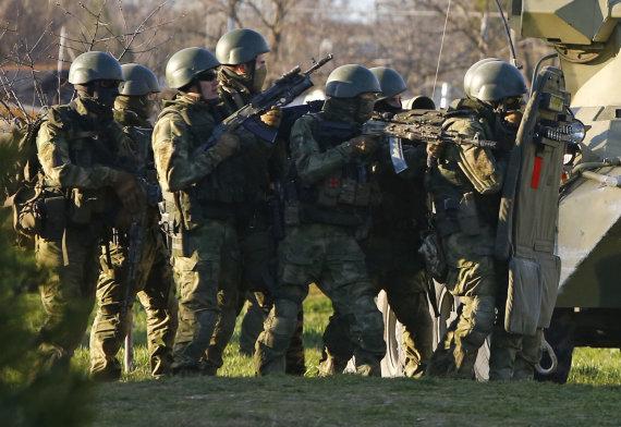 """""""Reuters""""/""""Scanpix"""" nuotr./Rusijos kariai Krymo užgrobimo metu"""