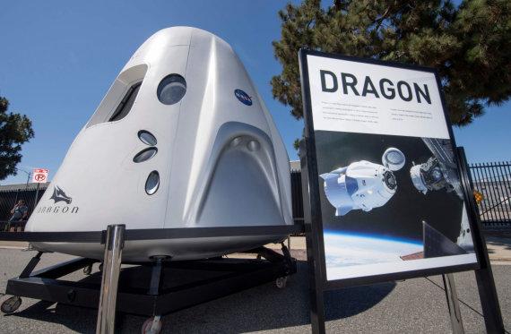 """AFP/""""Scanpix"""" nuotr./""""SpaceX Crew Dragon 2"""" – arčiausiai tinkamumo žmonių gabenimui į kosmosą esanti amerikiečių kosminė kapsulė"""