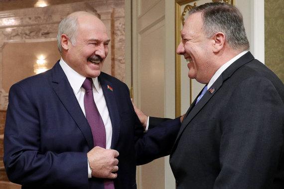 """Scanpix"" nuotr./Aliaksandras Lukašenka ir Mike'as Pompeo"