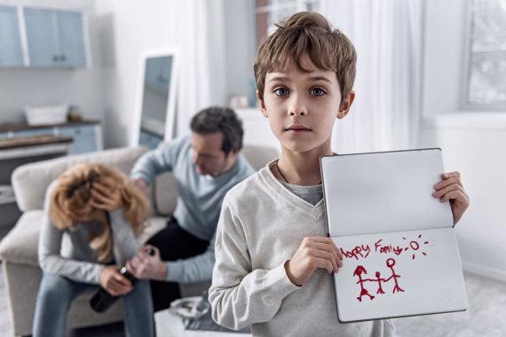 123RF.com nuotr./Tėvų elgesys gali turėti neigiamų pasekmių net vaikui užaugus