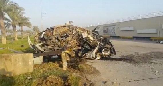 """""""Reuters""""/""""Scanpix"""" nuotr./Mašina, kuria važiavo ir kurioje žuvo Qasemas Soleimani"""