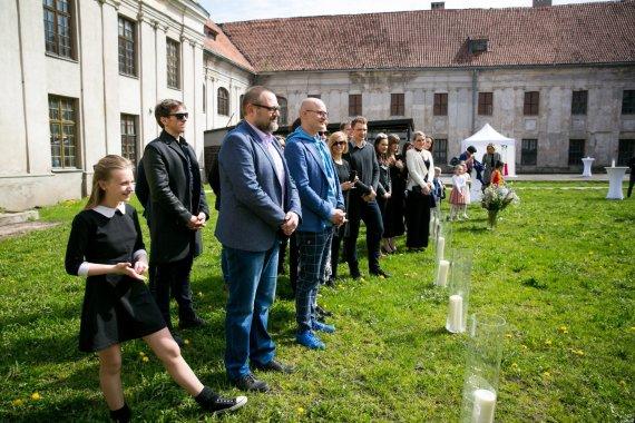 Juliaus Kalinsko / 15min nuotr./Editos Kabaraitės ir Sauliaus Jovaišo vestuvių akimirka