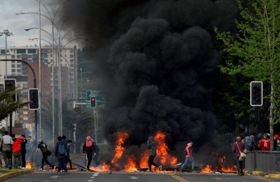 """""""Reuters""""/""""Scanpix"""" nuotr./Protestai Čilėje"""