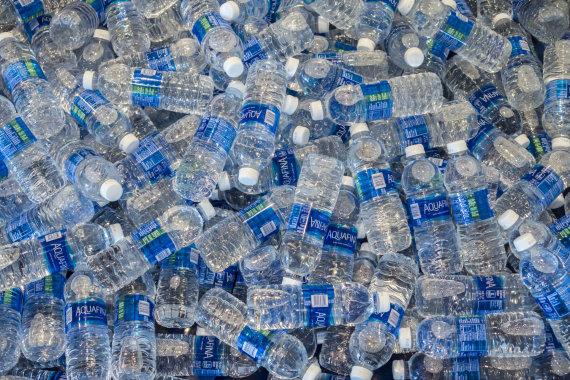 """""""Scanpix""""/""""Sipa USA"""" nuotr./Plastikiniai buteliukai"""