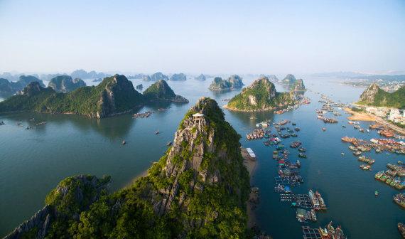 """Shutterstock"" nuotr./Ha Longo įlanka, Vietnamas"