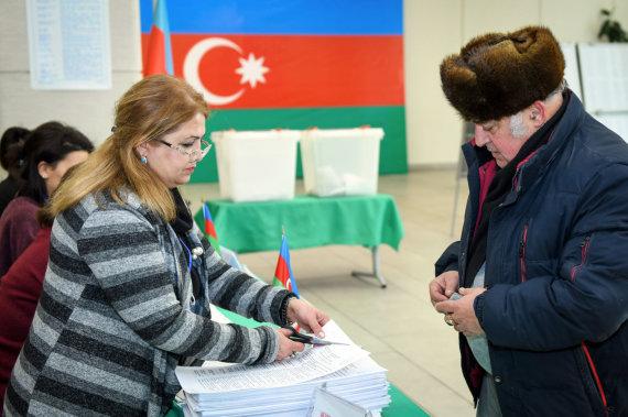 """""""Sputnik""""/""""Scanpix"""" nuotr./Rinkimai Azerbaidžane"""
