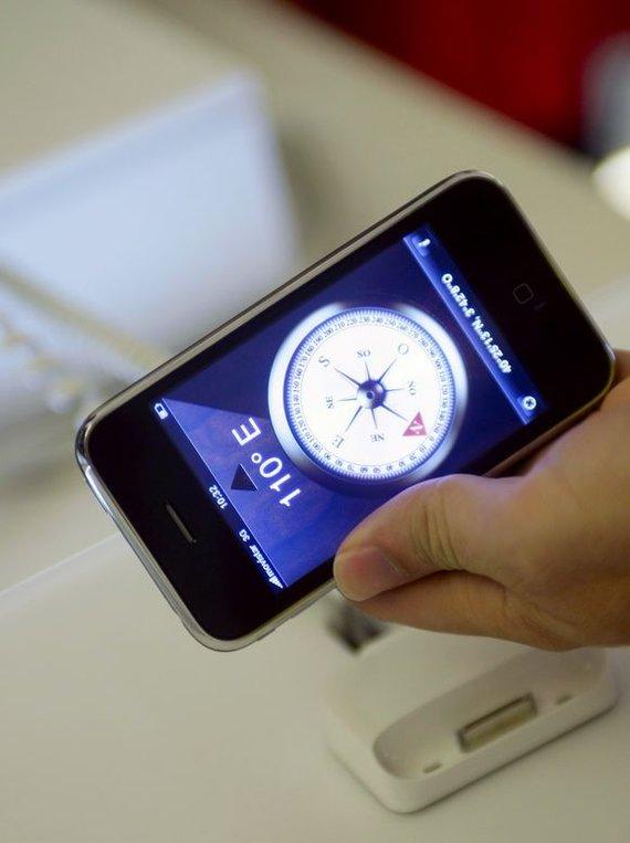 """""""Reuters""""/""""Scanpix"""" nuotr./Madridė pasirodė naujasis """"iPhone 3GS""""."""