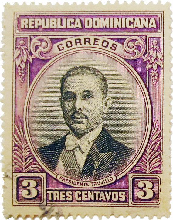 Wikipedia.org nuotr./Pašto ženklas, išleistas 42-ojo Rafaelio Trujillo gimtadienio proga (1933 m.)
