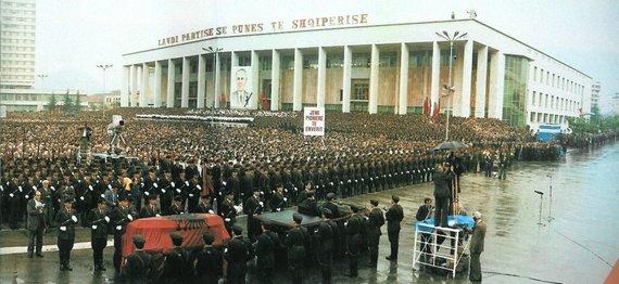 Wikipedia.org nuotr./Envero Hoxhos laidotuvės