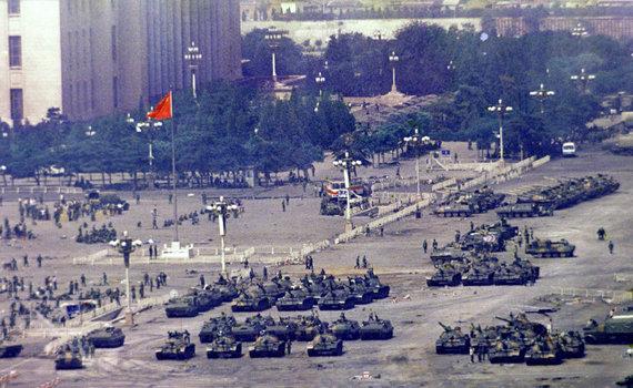 """""""Scanpix""""/AP nuotr./Tankai Tiananmenio aikštėje 1989 m. birželio 5 d."""