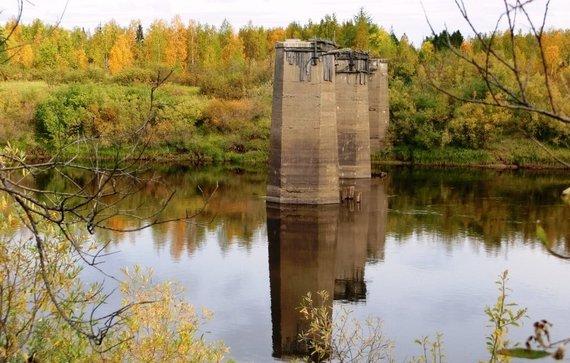 Wikipedia.org nuotr./Geležinkelio tilto per Turuchano upę likučiai