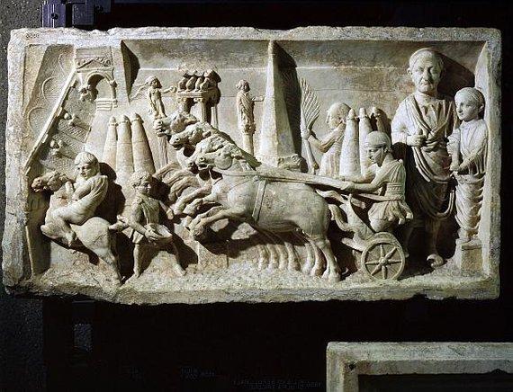 """""""Scanpix"""" nuotr./Kairiąja kelio puse važinėjo dar senovės romėnai."""