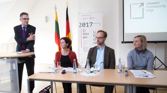 Renato Neverbicko nuotr./Iš kairės Oliveris Zille, Claudia Sinnig, Reinhardas Veseris ir Aušrinė Žilinskienė