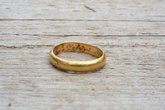 Kęstučio Stoškaus nuotr./Kapavietėje rastas Z.Sierakausko žiedas