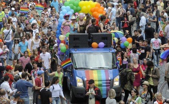 """AFP/""""Scanpix"""" nuotr./Gėjų paradas Prahoje"""