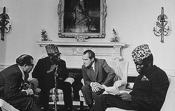 Wikipedia.org nuotr./JAV prezidentas Richardas Nixonas priima Mobutu Sese Seko Baltuosiuose rūmuose (1973 m.)