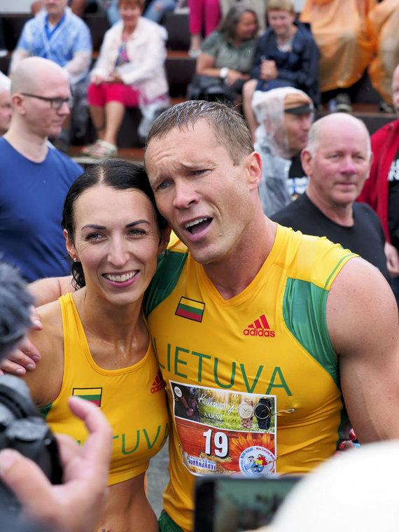 """""""Reuters""""/""""Scanpix"""" nuotr./Vytautas Kirkliauskas ir jo žmona Neringa Kirkliauskienė"""