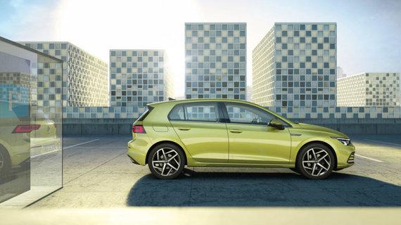 """""""Volkswagen"""" nuotr./""""Golf Mk. VIII"""" išlaikė pažįstamą siluetą, bet dabar pasižymi įmantriomis kėbulo linijomis ir drąsesniu, akį traukiančiu dizainu."""