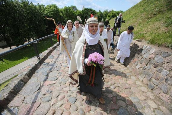 15min.lt/Vidmanto Balkūno nuotr./Vilniaus Gedimino kalne vyko Lietuvos Romuvos Krivės įšventimo apeiga.