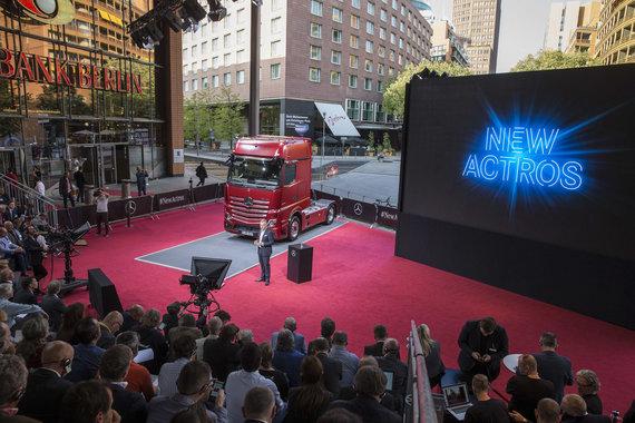 "Mercedes nuotr./""Mercedes Actros"" pasaulinė premjera Berlyne"