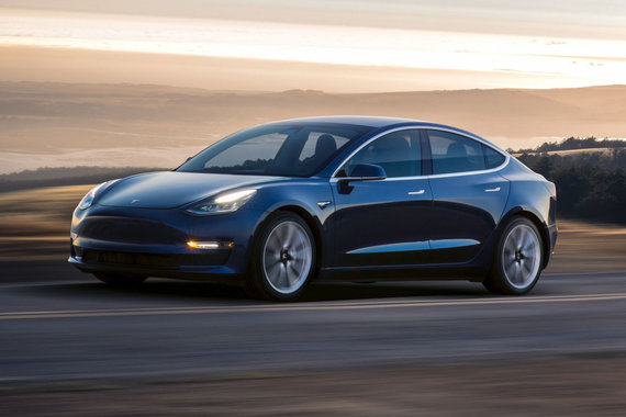 "AFP/""Scanpix"" nuotr./""Tesla Model 3"""