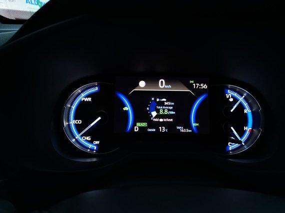 """Žilvino Pekarsko / 15min nuotr./Penktos kartos """"Toyota RAV4 Hybrid"""""""