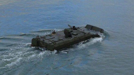 Gamintojo nuotr./Amfibinis šarvuotis BAE ACV