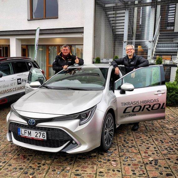 Dainininkas Aras Vėberis padėjo rinkti Šeimos automobilį