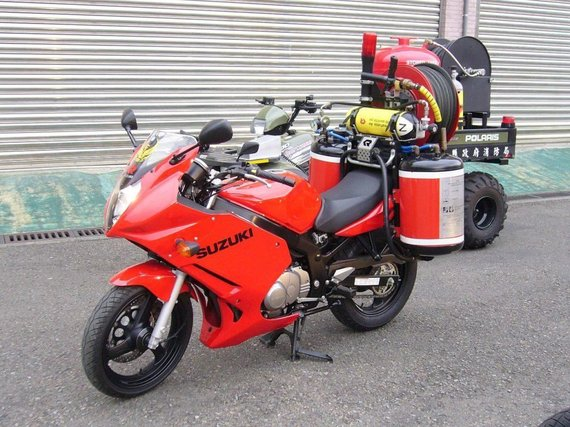 Taipėjuje veikiantis ugniagesių motociklas Suzuki GS500 su gaisrų gesinimo komplektu. (Lenovo-lin, Wikimedia(CC BY-SA 3.0)