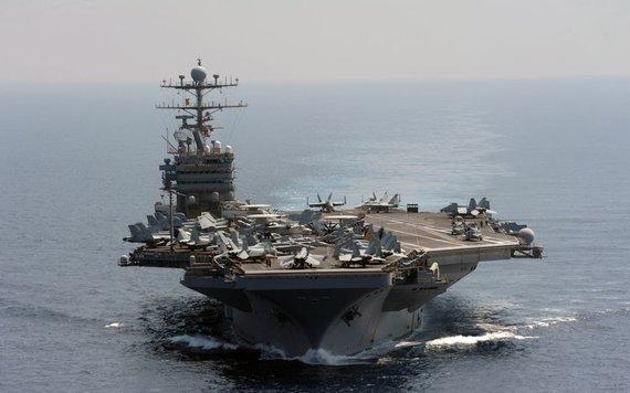 """""""Scanpix"""" nuotr./""""Nimitz"""" tipo lėktuvnešis – didžiausias karinis laivas pasaulyje"""