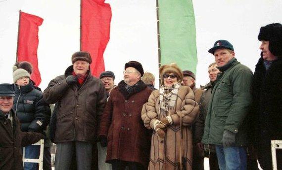 Alfredo Pliadžio/pliadisfoto.lt nuotr./Sartai, V.Landsbergis, A.Brazauskas (1997)