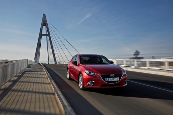 """Gamintojų nuotr./""""Mazda 3"""" ir SKYACTIV-D turbodyzelinis variklis"""