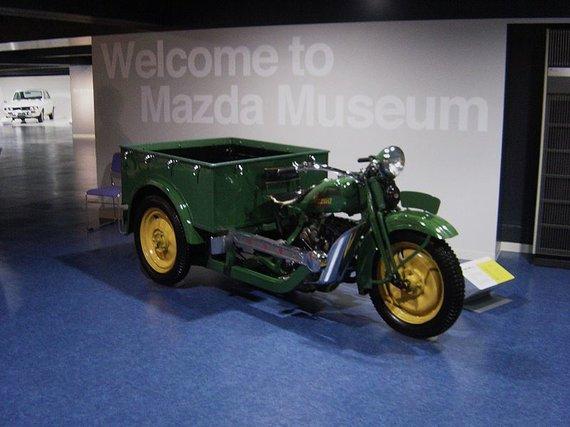 Mazdago buvo pirmoji kompanijos sukurta transporto priemonė. (Taisyo, Wikimedia(CC BY-SA 3.0)
