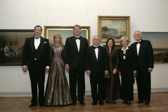 """""""Reuters"""" / """"Scanpix"""" nuotr./Lietuvos, Latvijos, Estijos, Lenkijos vadovai ir jų damos 2008 m."""