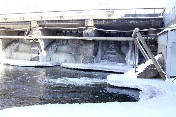 Irmanto Gelūno / 15min nuotr./Grigiškių užtvanka potvynio metu 2011-aiaisiais