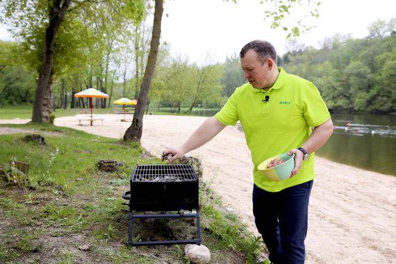 """Irmanto Gelūno / 15min nuotr./""""Norfos"""" vyr. mėsininkas Dainius Bartošius"""