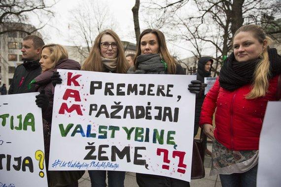 Irmanto Gelūno / 15min nuotr./Pilaitiškių piketas prie Vyriausybės