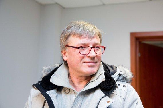 Irmanto Gelūno / 15min nuotr./Atlikėjas Žilvinas Žvagulis lankosi teisme dėl galimai melagingų parodymų