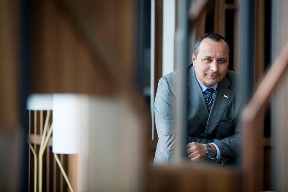 "Irmanto Gelūno / 15min nuotr./""Radisson Blu Hotel Lietuva"" vadovas Massimo Supino"