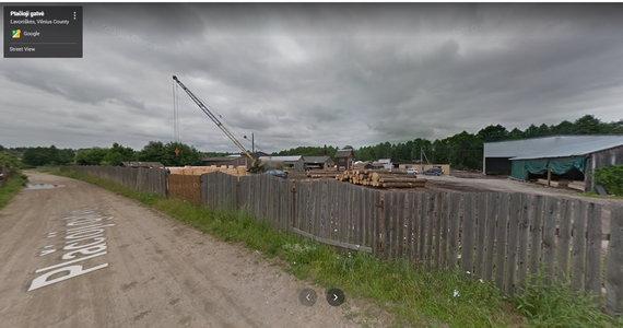 """Atvaizdas iš """"Google Street View""""/Medžio apdirbimo įmonė Slabados kaime"""