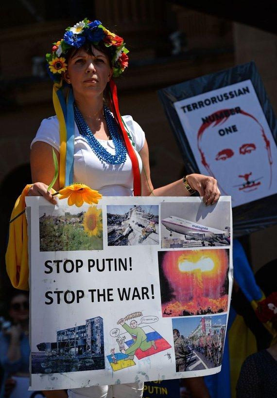 """AFP/""""Scanpix"""" nuotr./Protestas Australijoje prieš V.Putiną"""