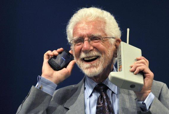 """""""Reuters""""/""""Scanpix"""" nuotr./Mobiliojo telefono išradėju vadinamas Martinas Cooperis."""