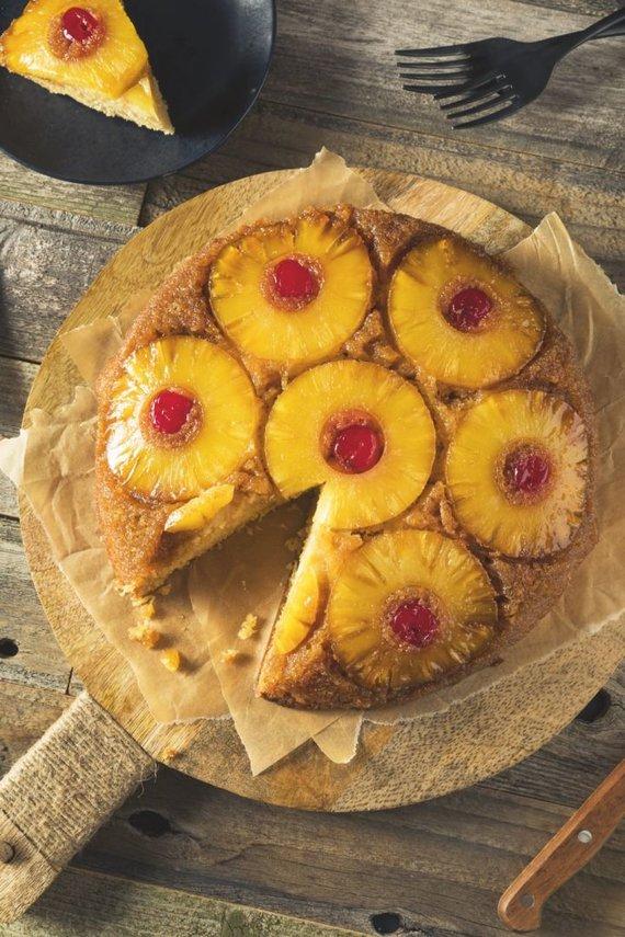 Leidyklos nuotr./Apverstas ananasų pyragas
