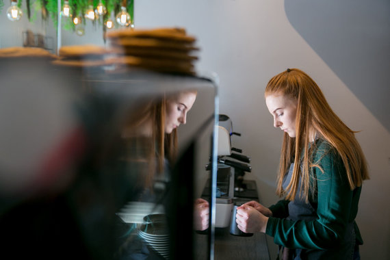"""Juliaus Kalinsko / 15min nuotr./Kavinė """"Stories Cafe"""" sostinės Antakalnyje"""